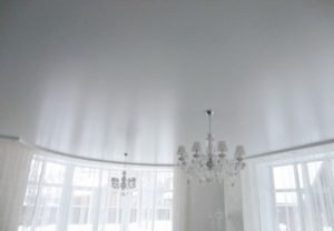 Сатиновые натяжные потолки.